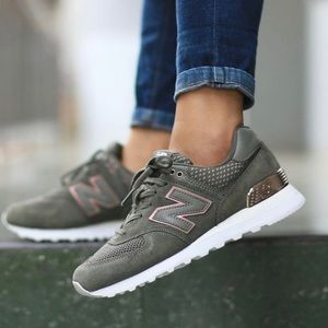 New Balance Gray and Rose Gold Size 7